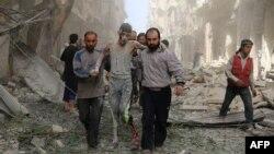 Наступствы паветранага ўдару ў паўночным прыгарадзе Алепа, 26 красавіка 2016 году