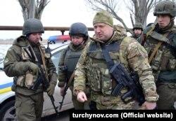 Секретар РНБО Олександр Турчинов у вівторок перебував у зоні АТО для координації наступом Національної гвардії під Маріуполем. 10 лютого 2015 року