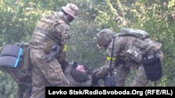 Архівний відеокадр: під час одного з боїв під Іловайськом, 10 серпня 2014 року