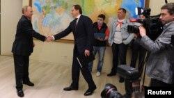 Президент Путин поздравляет Льва Кузнецова с новым назначением