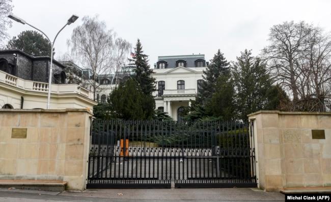 Здание посольства России в Праге
