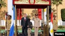 Արխիվ -- Եգիպտոսի նախագահ, գեներալ Աբդել Ֆաթահ ալ-Սիսիի և Ռուսաստանի պաշտպանության նախարար Սերգեյ Շոյգուի հանդիպումը Կահիրեում, 14-ը նոյեմբերի, 2013թ․