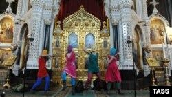 «Панк-малебен» Pussy Riot у храме Хрыста Збаўцы ў Маскве, 2012 год