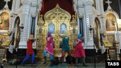 """Панк-молебен Pussy Riot """"Богородица, Путина прогони!"""""""