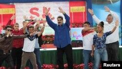 Maduro (ortada), arxiv fotosu