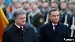 Петро Порошенко і Анджей Дуда під час зустрічі в Києві, 15 грудня 2015 року