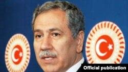 Türkiyənin baş nazir müavini Bulent Arinc