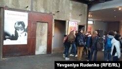 Постер Лариси Шепітько на кінофестивалі «Люм'єр». Ліон, 16 жовтня 2015 року