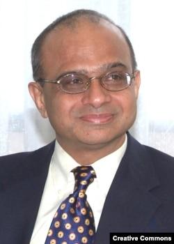 Нью-Делидегі саяси зерттеулер орталығының профессоры Брахма Челлани. АҚШ, 23 қаңтар 2013 жыл.