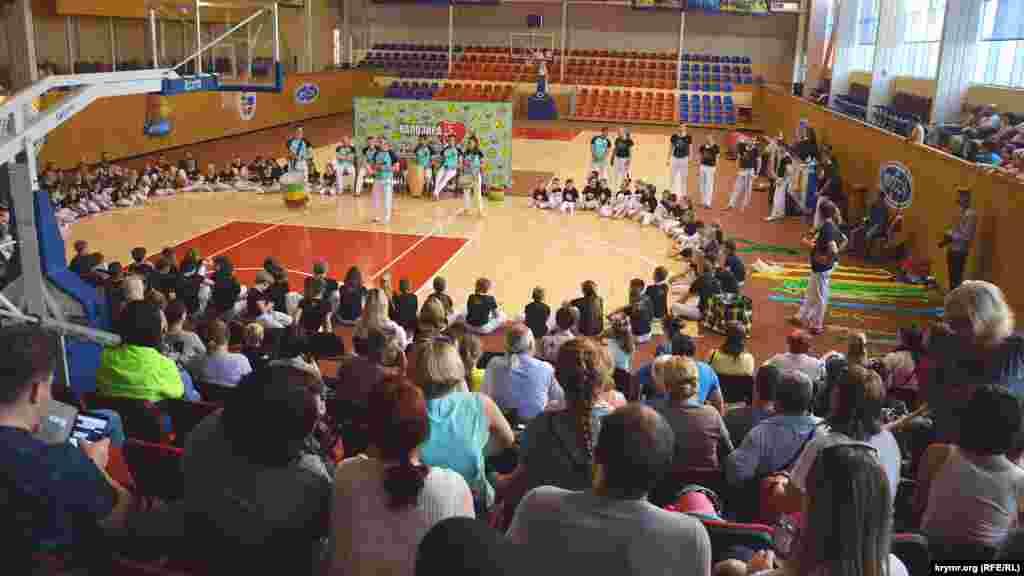 В спортивном зале ТРЦ «Муссон» было много зрителей