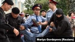 Задержания в Алматы в день досрочных президентских выборов 9 июня 2019 года.