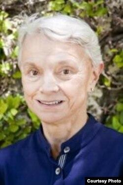 Профессор Джюн Драйер