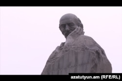 Qrant Matevosyanın Yerevandakı heykəli