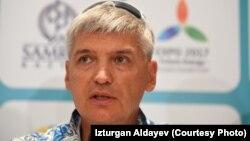 Жүзуден Қазақстан құрамасының бас бапкері Олег Вагизов.
