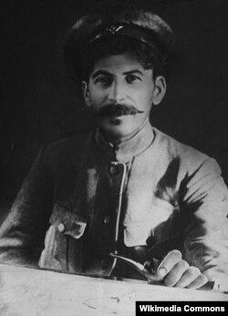 Stalin cəbhədə, 1918