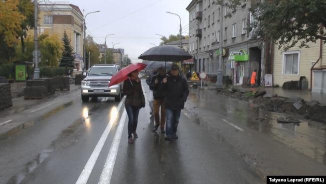 """Прогулка оппозиции"""