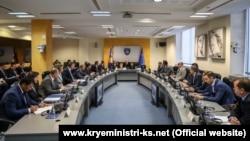 Foto nga një mbledhje e Qeverisë së Kosovës