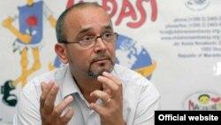 Драги Змијанац, Директор на Првата детска амбасада Меѓаши.