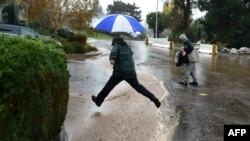 Ilustrim nga të reshurat e mëdha të shiut