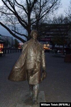Statuia lui Konrad Adenauer, Berlin