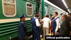 The first Dushanbe-Astana train arrived in the Kazakh capital's central railway station late on June 18.