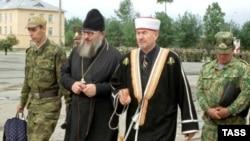 """""""Народ требует стабильности, царство кесаря обеспечивает стабильность. А если для этого религиозные лидеры должны благословить уничтожение каких-нибудь экстремистов - так и благословят..."""""""