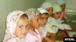 «Гөлстан» мәдрәсәсендәге балалар лагерына йөрүчеләр