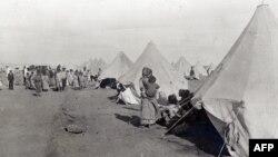 სომეხი ლტოლვილების ბანაკი, ქალაქი პირტ-საიდი, 1915 წელი