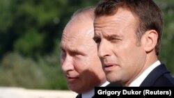 Президент Франції Емманюель Макрон та російський лідер Володимир Путін, Санкт-Петербург, 24 травня 2018 року