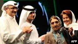 در جشنواره امسال جایزه بهترین بازیگر زن سینمای آسیا و آفریقا، نصیب کبری حسنزاده اصفهانی (نفر دوم از راست) شد