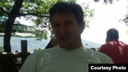 15 жылдан бері жоғалған қызын іздеп жүрген Сербия азаматы Горан Филипович.