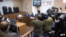 "Заседание суда в Мурманске по жалобам на арест активистов ""Гринпис"""