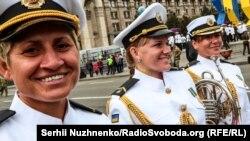 Фотогалерея: Парад військових і «Хода нескорених»