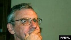 Борис Дубин: «Удержаться на достигнутой высоте даже некоторого благополучия и спокойного состояния умов не удается»