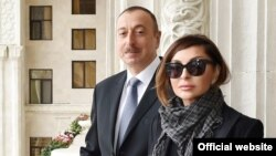 Azerbaijan -- Azerbaijani President Ilham Aliyev and his wife Mehriban visit administrative building of Azerbaijani Railways, Baku, February 10, 2017