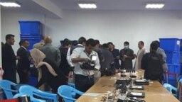 ناظران نامزدهای ریاست جمهوری در مرکز کمیسیون مستقل انتخابات، ۲۲ اکتبر ۲۰۱۹
