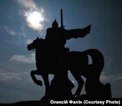 Пам'ятник князю періоду України-Русі Ігорю Святославичу (1151–1202). Автор фото: Олексій Фалін