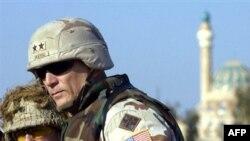 ژنرال ريموند اوديرنو، فرمانده عملیات ارتش آمریکا در عراق است.