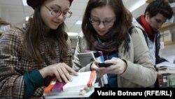 """""""Бумажные"""" книги по-прежнему пользуются спросом у покупателей"""