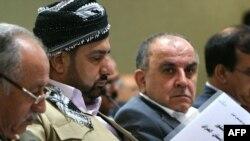 نواب أكراد في جلسة مناقشة قانون دستور إقليم كردستان