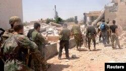Сирійські урядові війська ведуть наступ на повстанців і в інших регіонах, на фото – біля міста Алеппо, 27 травня 2013 року