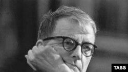 Дмитрий Шостакович: «Первый виолончельный концерт Тищенко я знаю наизусть»