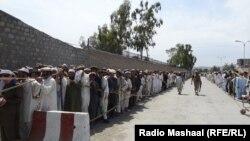 Пакістан, чэргі на выбарчыя ўчасткі