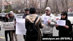 Акция протеста у здания посольства Ирана в Ереване, 19 марта 2019 г.