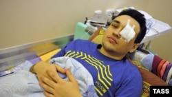 ЛГБТ-активист Дмитрий Чижевский, раненный в глаз в результате нападения двух неизвестных, вооруженных травматический пистолетом и битой на офис организации LaSky, занимающейся профилактикой СПИДа.
