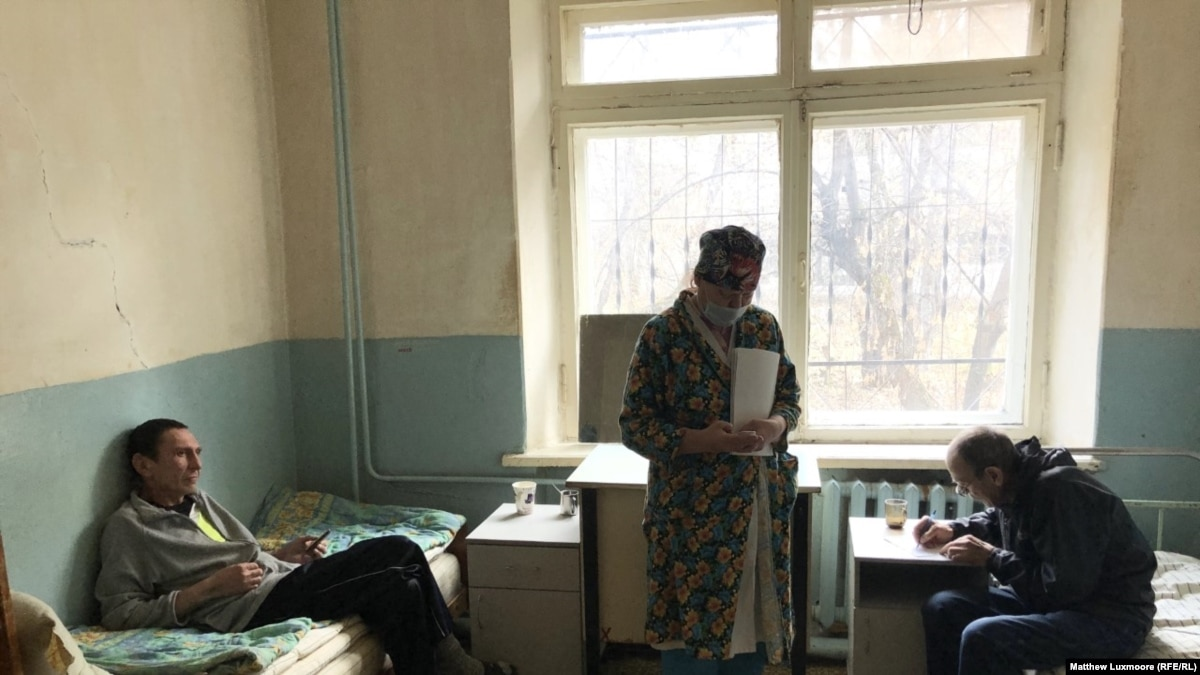 As Its Staff Faces Intimidation, A Rural TB Clinic's Demise Exposes Russia's Provincial Decline