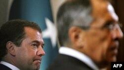 Президент Дмитрий Медведев и министр иностранных дел Сергей Лавров