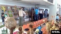 اعمال فنية ويدوية وعروض رياضية في مهرجان كلية الزراعة في الموصل