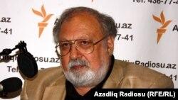 Председатель Национального совета демократических сил Рустам Ибрагимбеков в студии РадиоАзадлыг