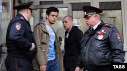 Задержание Артема Лоскутова после первого суда